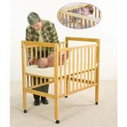Natural Adjustable Crib With Mirror