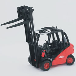 Fork Lift with Pallets