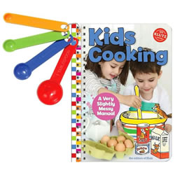 Klutz® Kids Cooking: A Very Slightly Messy Manual
