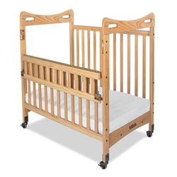 SecureHold™ SafeReach™ Compact Clearview Crib