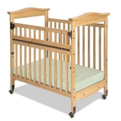 Biltmore™ Compact SafeReach™ Clearview Crib