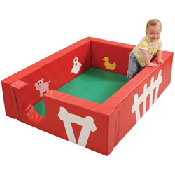 Barnyard Play Yard with Floor Mat